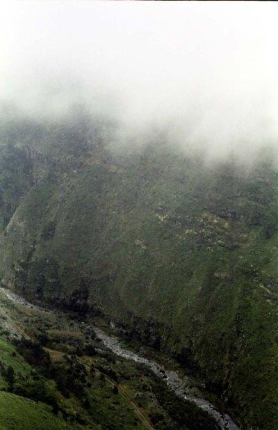Schluchten und Täler bei einer Trekkingtour auf Madeira.