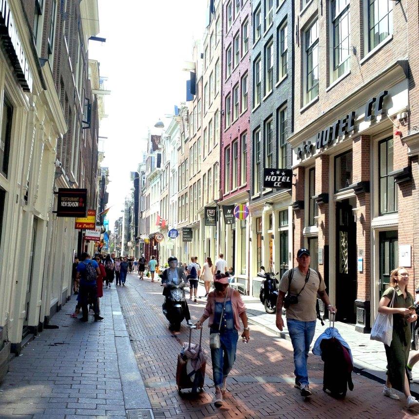 touristen_amsterdam_reisen_europa